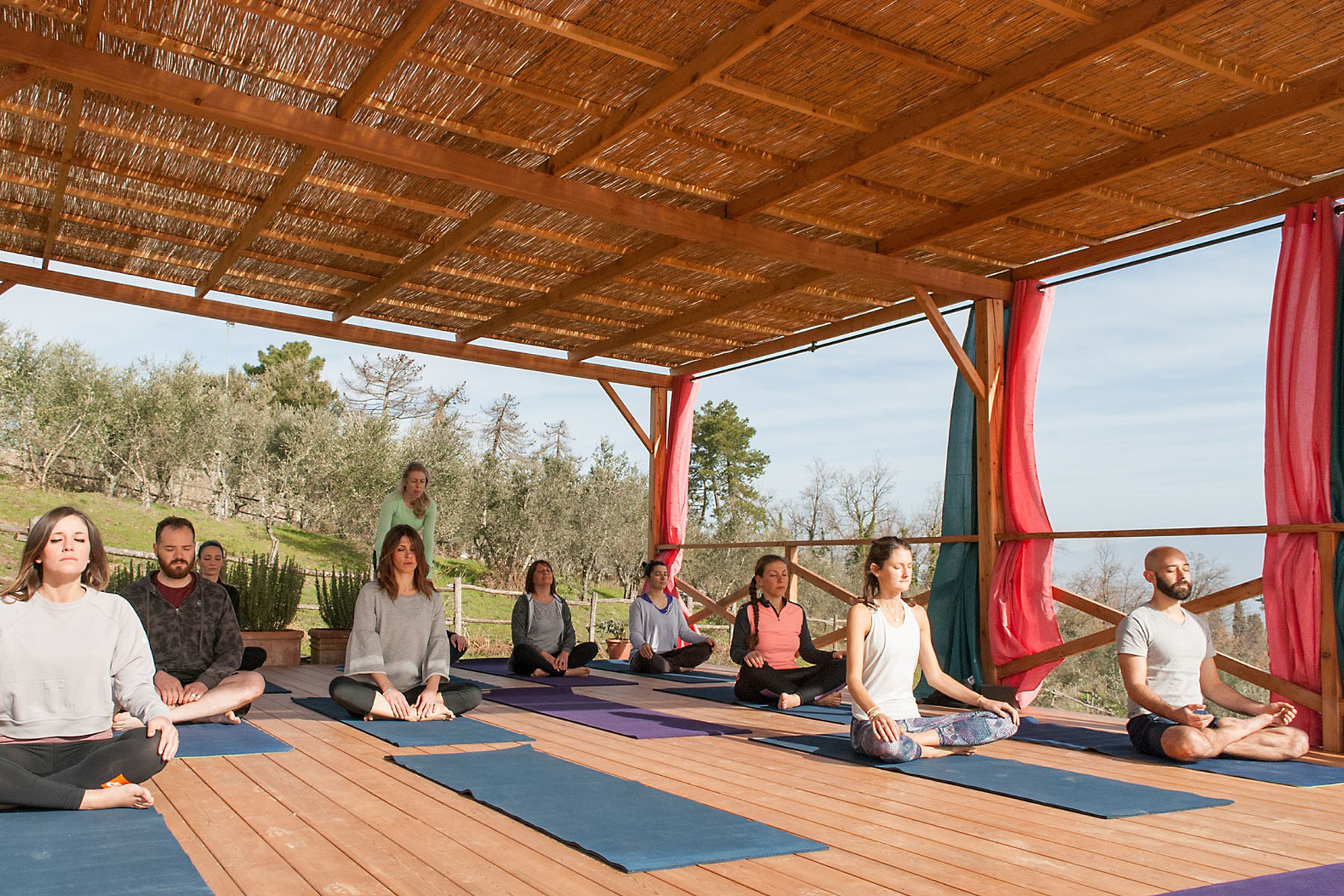 Tuscan-Fitness-Outdoor-Yoga-Deck-copie.jpg