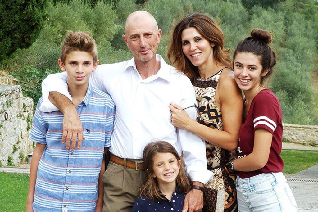 ernesto_family_800-ok-3.jpg